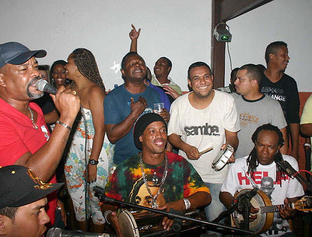 Ronaldinho Gaúcho Samba pra Gente (Foto: Site Oficial)