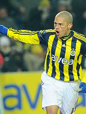 Alex gol Fenerbahçe (Foto: Site Oficial do Clube)