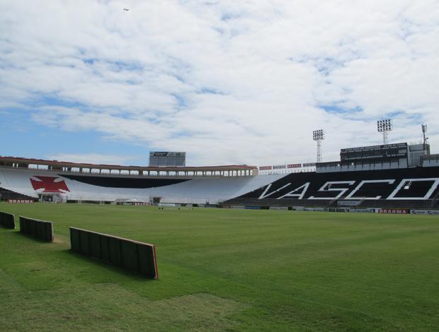 Nova pintura do estádio São Januário (Foto: Thiago Fernandes / Globoesporte.com)