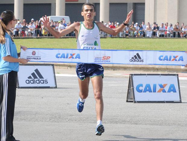 Marílson Gomes dos Santos vence Meia Maratona de São Paulo (Foto: Divulgação)