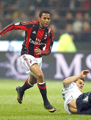 Robinho Milan x Napoli (Foto: Reuters)