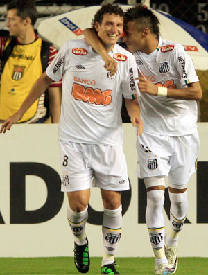 Elano Neymar Comemoração Santos (Foto: Reuters)