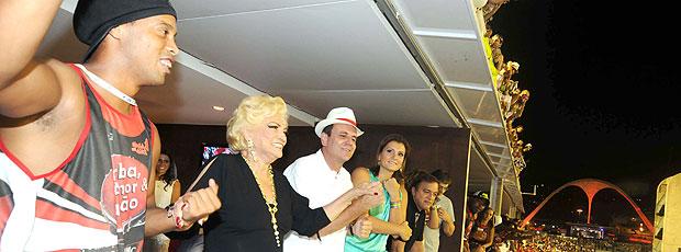 ronaldinho gaúcho eduardo paes (Foto: J. P. Engelbrecht/Prefeitura do Rio de Janeiro)