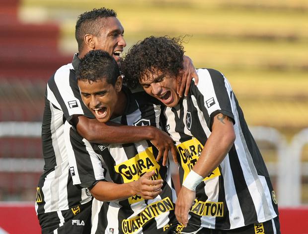 Comemoração Everton do Botafogo (Foto: Agência Estado)
