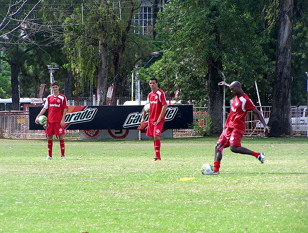 kleber internacional treino  (Foto: Alexandre Alliatii / Globoesporte.com)