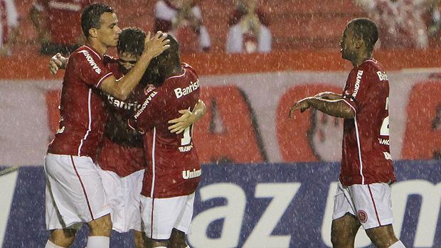 leandro damião internacional gol ypiranga (Foto: Lucas Uebel / Vipcomm)