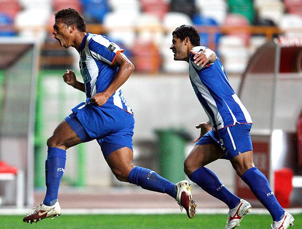 Guarin Hulk gol Porto (Foto: Reuters)