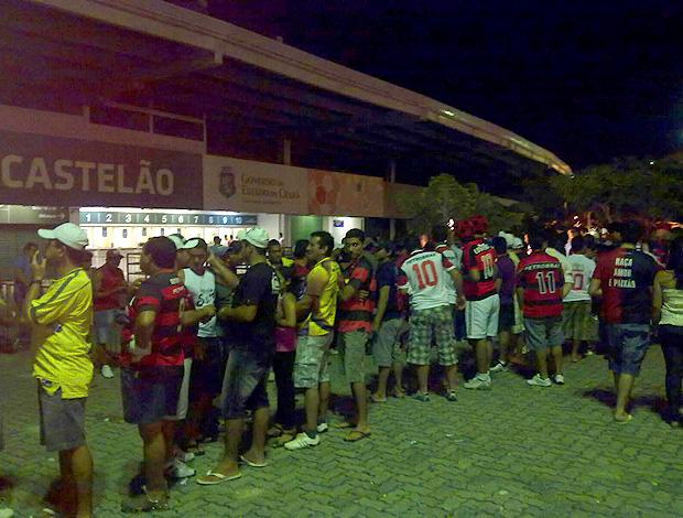 torcida flamengo fila castelão (Foto: Richard Fausto / Globoesporte.com)