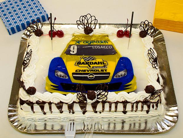 Stock Car: detalhe do bolo de Giuliano Losacco (Foto: Vanderley Soares / Stock Car)