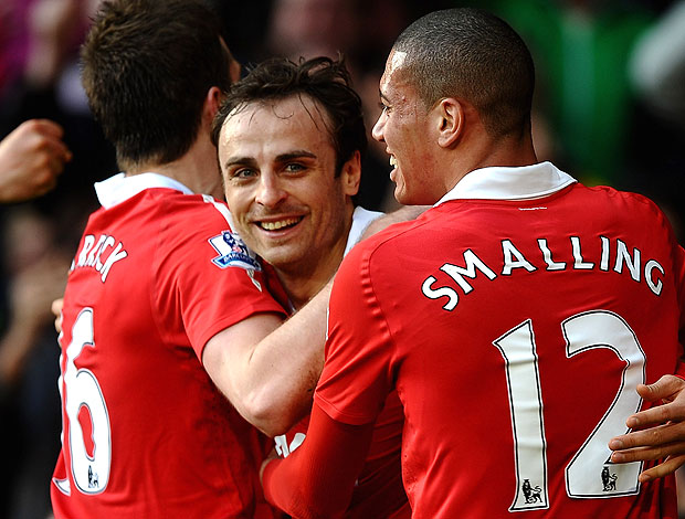 Berbatov comemora gol do Manchester United (Foto: Getty Images)