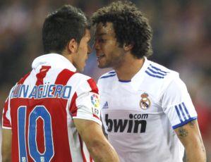 Marcelo encara Agüero no clássico entre Real Madrid e Atlético de Madri (Foto: EFE)