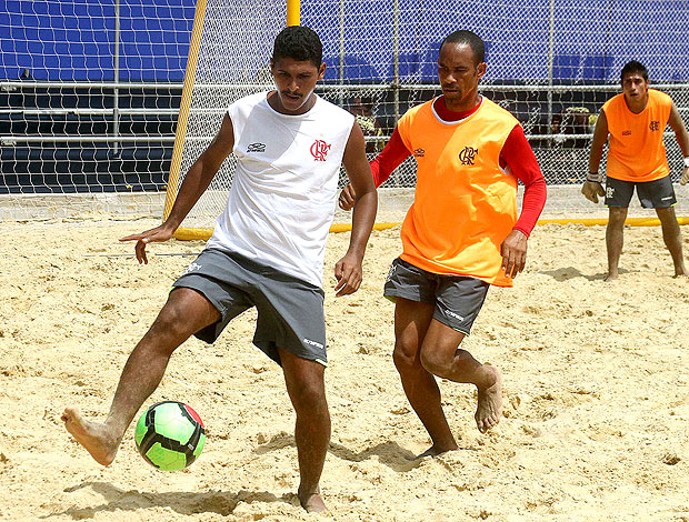 treino do Flamengo para o mundialito de futebol de areia (Foto: João Pires / Divulgação)