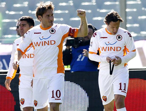 totti roma gol fiorentina (Foto: agência Getty Images)