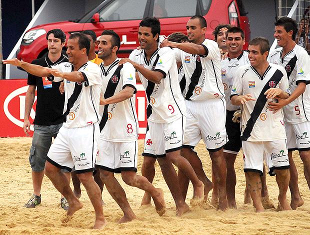 comemoração flamengo x vasco futebol de areia (Foto: João Pires/divulgação)