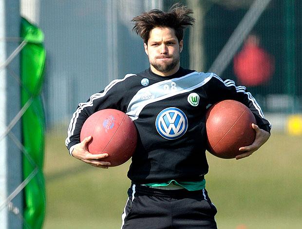Diego no treino do Wolfsburg (Foto: EFE)