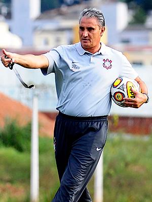 Tite treino Corinthians (Foto: Marcos Ribolli / Globoesporte.com)