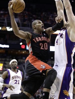 Leandrinho, do Toronto Raptors (Foto: AP)