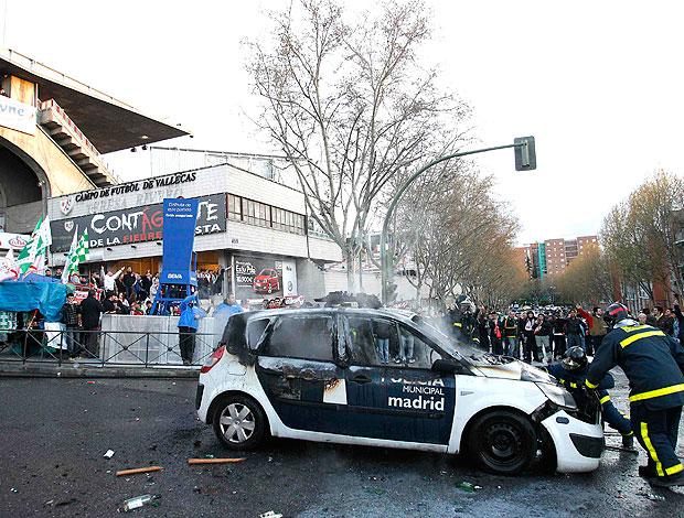 confusão na partida entre Rayo Vallecano e Betis na Espanha (Foto: Reuters)