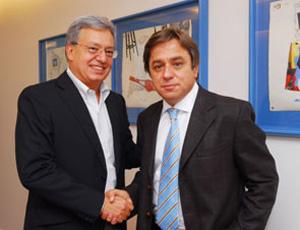 Marcelo de Campos Pinto e Arnaldo Tirone (Foto: Site Oficial do Clube)