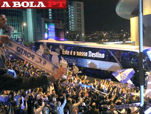 festa do Porto no retorno a cidade (Foto: Reprodução / A Bola)