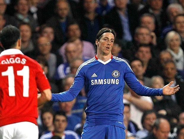 Fernando Torres lamenta na partida do Chelsea contra o Manchester United (Foto: AP)