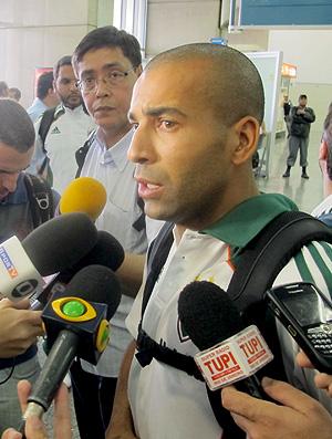 Emerson desembarque Fluminense (Foto: Edgard Sá / Globoesporte.com)