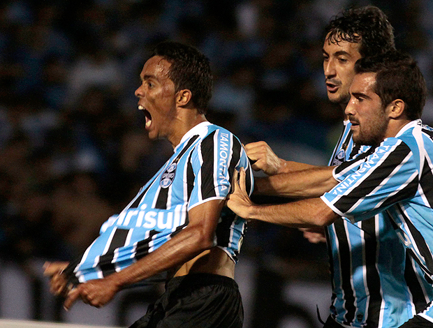 Lúcio gol Grêmio (Foto: Wesley Santos / Pressdigital)