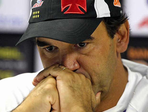 Ricardo Gomes na coletiva do Vasco (Foto: Ivo Gonzalez / Agência O Globo)