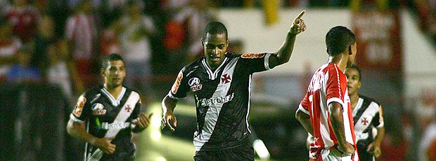 Dedé gol Vasco (Foto: Ag. Estado)