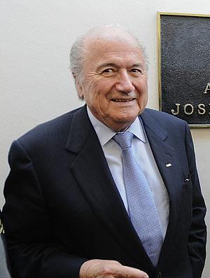 Joseph Blatter em el salvador (Foto: EFE)