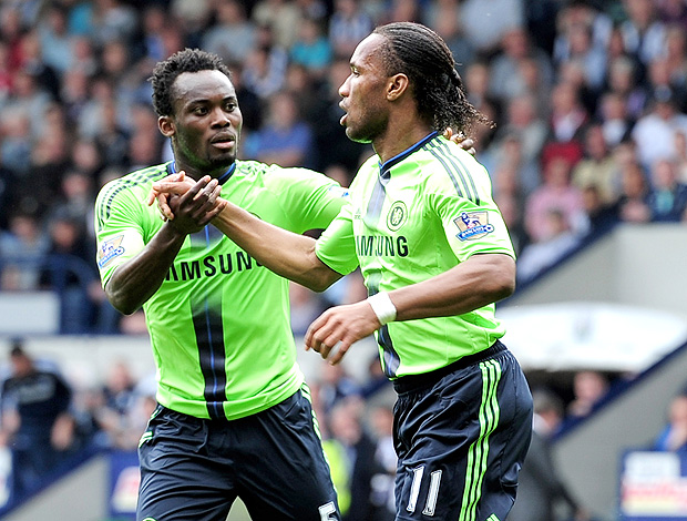 Michael Essien Didier Drogba gol Chelsea (Foto: Getty Images)