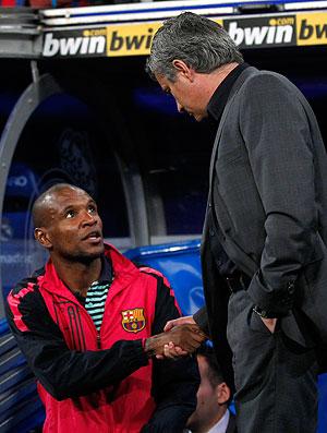 mourinho abidal  barcelona x real madrid (Foto: Agência Reuters)