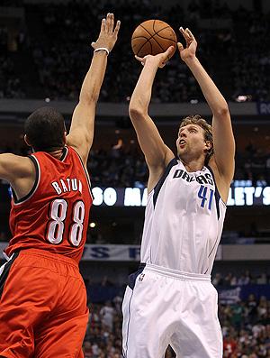 basquete nba nowitzki dallas portland (Foto: agência Getty Images)