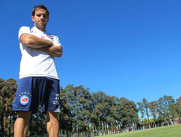 Niell, jogador do Argentino Juniors (Foto: Edgar Maciel / GLOBOESPORTE.COM)