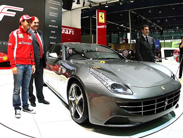 Felipe Massa no salão de carros de Xangai (Foto: Divulgação)