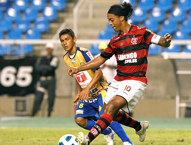 Ronaldinho Gaúcho na partida do Flamengo contra o Horizonte (Foto: Maurício Val / VIPCOMM)