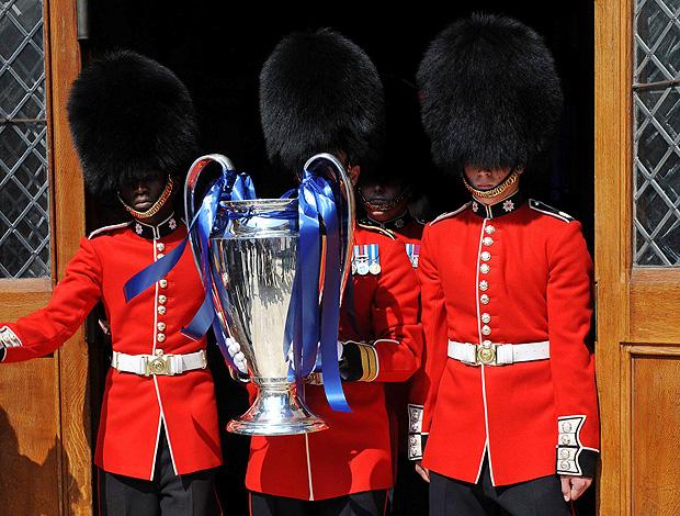 taça liga dos campeões guardas wembley (Foto: agência EFE)