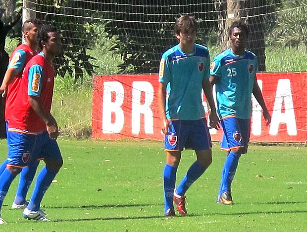 Mattheus, filho do Bebeto, no treino do Flamengo (Foto: Richard Fausto / GLOBOESPORTE.COM)
