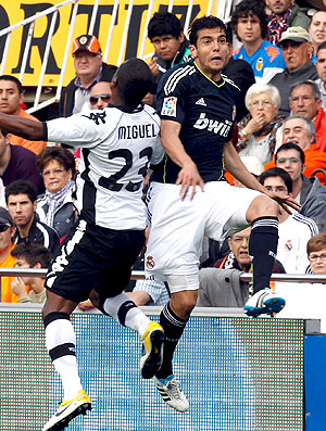 Kaká no jogo entre Real Madri e Valência (Foto: EFE)
