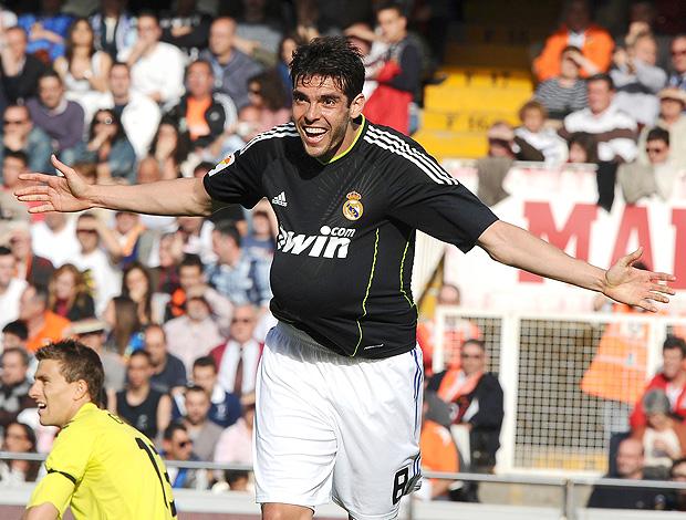 Kaká comemora gol do Real Madri contra o Valência (Foto: AFP)