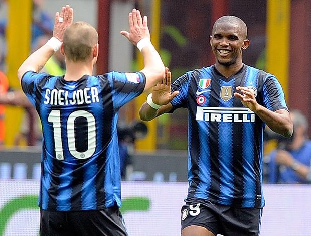 Sneijder e Eto´o comemoram gol do Inter de Milão contra o Lazio (Foto: Getty Images)