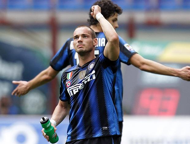 Sneijder comemora gol do Inter de Milão contra o Lazio (Foto: AP)