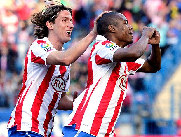 Elias comemora gol do Atlético de Madrid contra o Levante (Foto: EFE)