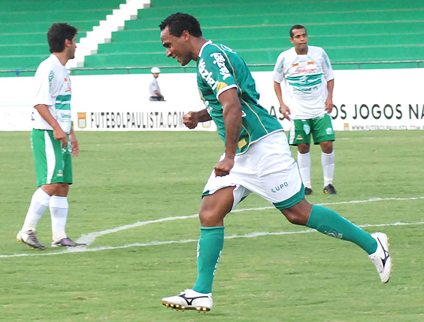 Jefferson gol Guarani (Foto: Futura Press)