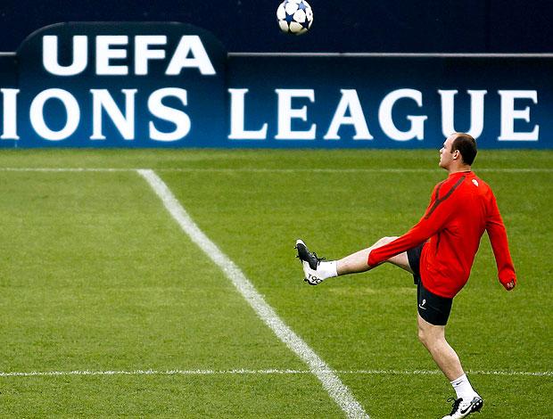 Rooney no treino do Manchester United para a Liga dos Campeões (Foto: Reuters)