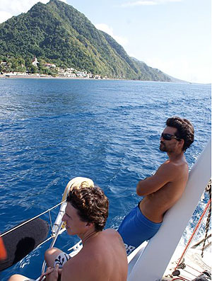 Fabio Jardim e Diogo Guerreiro em Dominica volta ao mundo (Foto: Divulgação)