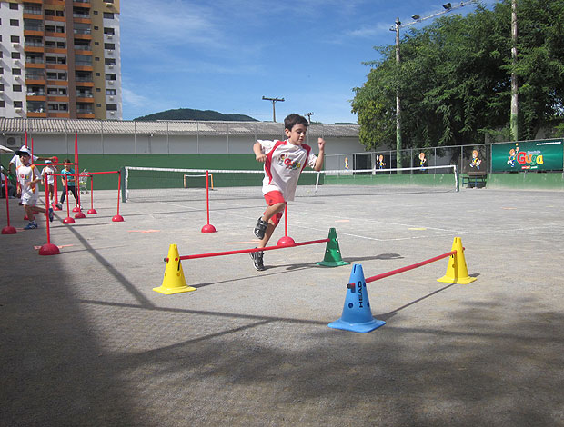 Escolinha do Guga tênis Florianópolis (Foto: Divulgação / Hiram Amin)