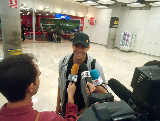 kaka real madrid aeroporto (Foto: Thiago Dias / Globoesporte.com)