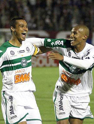 Emerson gol Coritiba (Foto: Ag. Estado)