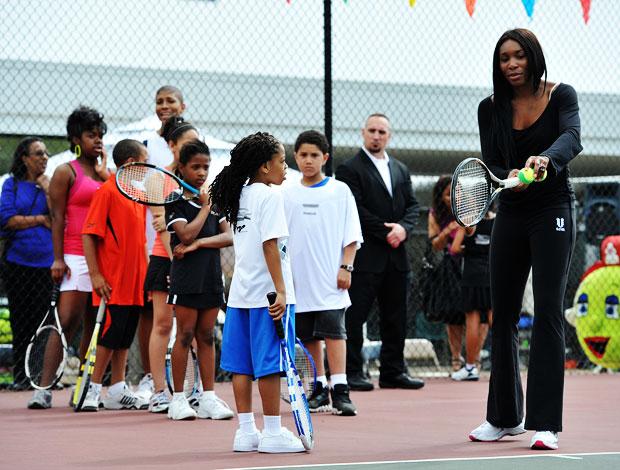 venus Williams dá clínica de tênis em Washington (Foto: Getty Images)